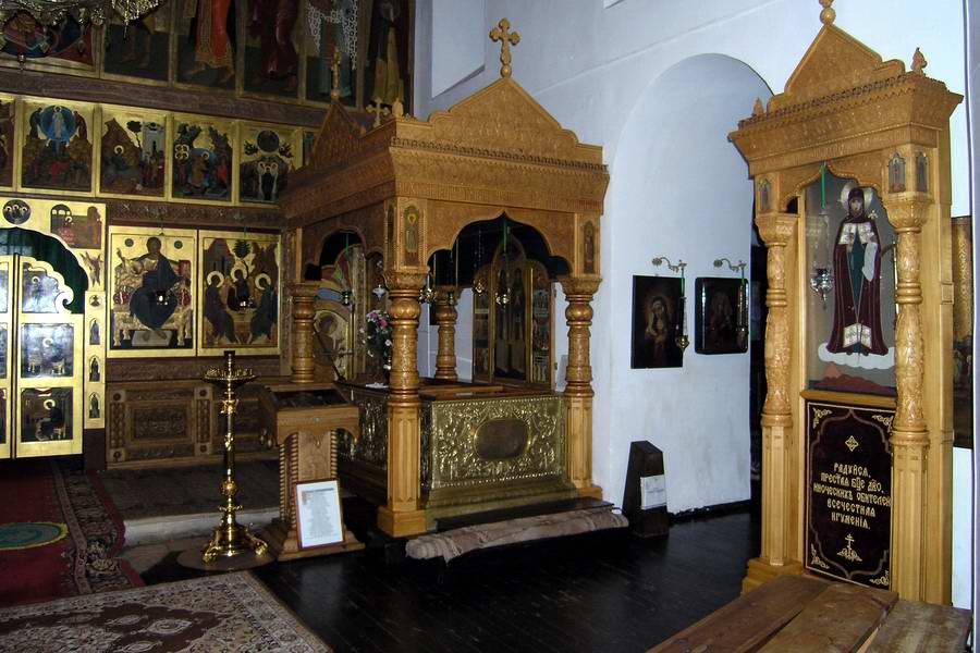 В соборе Живоначальной Троицы монастыря
